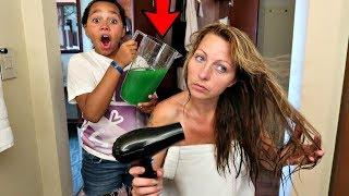 SLIME PRANK ON MY MOM IN OUR HOTEL ROOM!!
