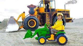 Funny Senya and Papa Ride on Tractors! Tractor Stuck in the SAND! Ride on POWER WHEEL Excavator