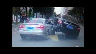 These Idiots Drivers Needs To Go Back To Driving School - EXTREME CAR CRASH 2018 #163