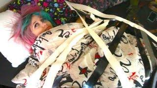 DUCT TAPE ON SLEEPING GIRLFRIEND PRANK!