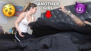 CHEATING PRANK ON GIRLFRIEND (GIRLFRIEND END GOES CRAZY)