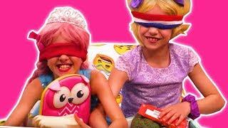 LUNCH BOX CHALLENGE ???? Make Lunch Blindfolded + Slime Prank - Princesses In Real Life | Kiddyzuzaa
