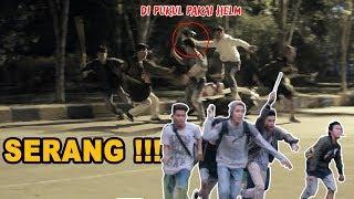 PRANK TAWURAN ,LARI SAMPAI KOCAR-KACIR ???? - PRANK INDONESIA - #CUPSTUWERD