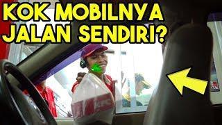 MOBIL JALAN SENDIRI PRANK | DRIVE THRU INVISIBLE DRIVER PRANK
