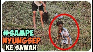 Prank Indonesia gembel bawa golok, sampe nyungsep ke sawah !!!