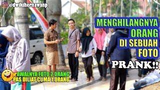 NGAKAKK! FOTO AWALNYA BERDUA PAS DILIAT CUMA 1 ORANG HAHAHA - Prank Indonesia