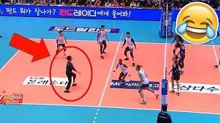REFEREE PLAY VOLLEYBALL !? Funny Volleyball Videos (HD)