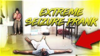 EXTREME SEIZURE PRANK ON GIRLFRIEND!!