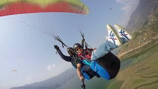 Paragliding in acrobatic