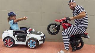 Funny Jessica Playing Police Car Ride on power wheel Police Car to catch Pit Bike