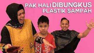 Bu Gen Prank Pak Hali, Pak Hali Dibungkus Pake Plastik Sampah, Whaaat???!!