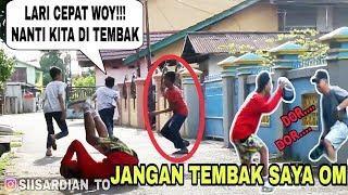 Pura-Pura DI TEMBAK LARI SAMPE TESUNGKUR !!? Ngakak Bareng !! - PRANK INDONESIA
